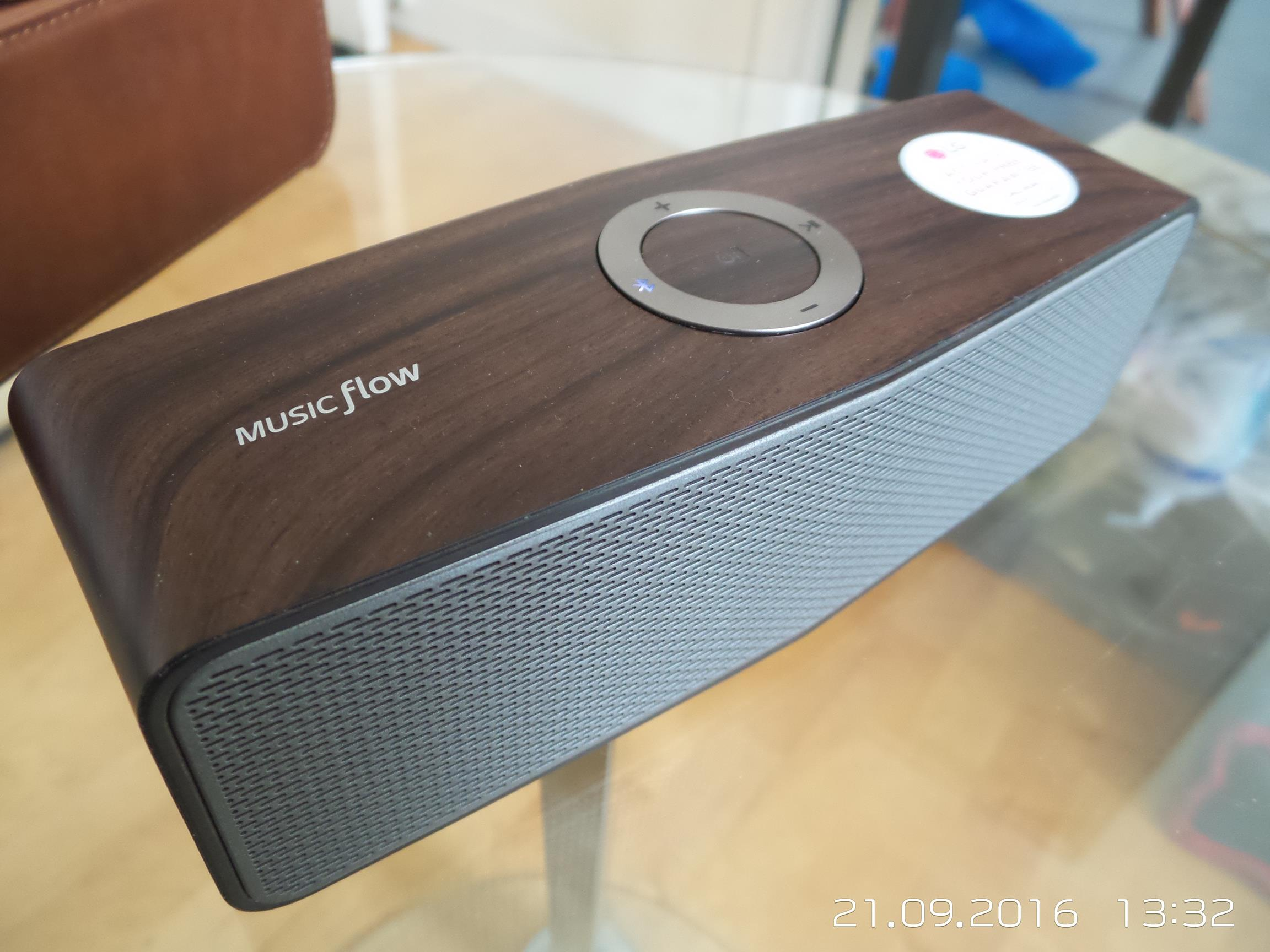 LG P7 MUSICflow Bluetooth Speaker Review